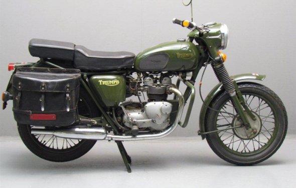 Ретро мотоцикл Triumph 3TA